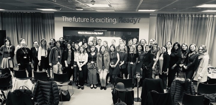 Women at big data event